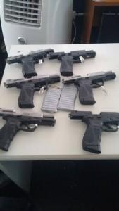 Pistolas novas com seletor de rajada